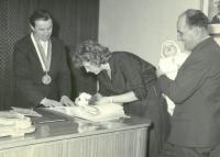 Vítání občánků, Ludmila s dcerou Věrou, 1964