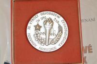 Pamětní medaile k 30. výročí osvobození Československa