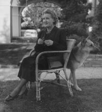 Hana Benešová, in Sezimovo Ústí, 1948