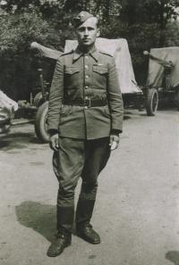 Michal Javorčák v r. 1945, Pryluky na Ukrajině