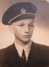 Josef Freml v roce 1944 u firmy Baťa