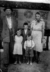 The Caraiman Family - photo from the deportation in Bărăgan
