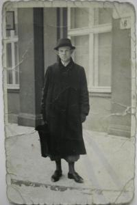 Otec pamětnice, Herbert Hübner před válkou