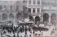 21. 8. 1968 v Liberci. Náměstí Bojovníků za mír