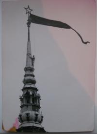 21. 8. 1968 v Liberci. Černá vlajka na radnici