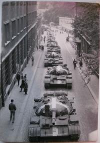 21. 8. 1968 v Liberci. Příjezd tanků