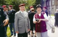 Bartošek with his wife at the Parachute veterans Club event