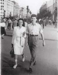 Praha 1945, R. Doleček s maminkou