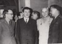 1965 Leningrad, Ant. Beneš - hlavní chirurg čs. armády vpravo, Doleček druhý zleva