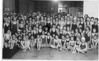 Plavecký kurz v roce 1937