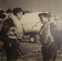 V RAF, Jiří Pavel Kafka vlevo
