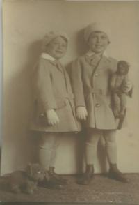 Jiří Pavel Kafka, s bratrem (2)
