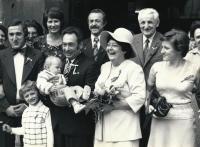 Druhá svatba, 1975