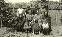 Portrét rodiny Štouračovy z roku 1954