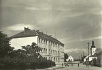 Škola ve Vlasaticích