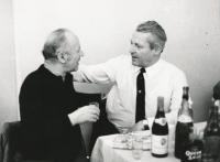 Vpravo tatínek Jan Havel Kochta a tatínek Jiřího,1968