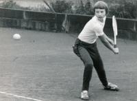 Helena returnující, 1975