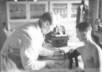 Dalibor Knejfl u lékařské prohlídky