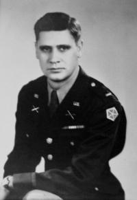 Americký voják Archie, se kterým Eliška udržovala vztah v roce 1945 v Sušici; Weiden; 1945