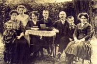 křesťanská rodina matky - rodina Dolanských