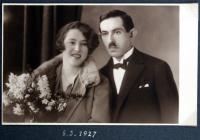svatební fotografie rodičů - 1927