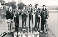 Bronzová párová čtyřka na LOH Montreal 1976, zleva Hvězda, Helebrandt, Vochoska, Lacina, Pecka, Kozák