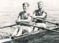 Dvojskif Josef Straka (vpředu) a Vladek Lacina (vzadu), 1974