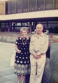 Svatopluk a Božena Lacinovi, Rodiče Vladka Laciny, 1988