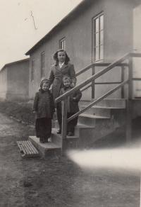 Irena, Marie a Stáňa ve Svatobořicích