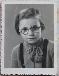 Bedřiška Winklerová - before transport to Terezín