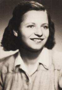 Aviva Bar-On 1946