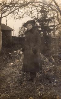 Matka Marta Loevidt, cca. 1918