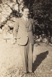 Otec Jindřich Loevidt