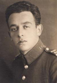 Father as a soldier, 1925