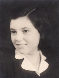 Helga Poláková-Kinsky, friend from room 28, Theresienstadt