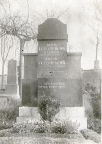 Hrob Edelsteinových na židovském hřbitově v Příbrami
