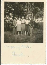 """With his friends from """"Total Einsatz"""" (forced labour), Ostritz 1944 - Vladimír in the middle"""
