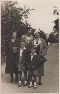 With mother, aunt  and brother before the war