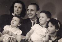 Pavla Kováčová s manželem a dětmi