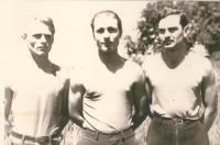 Zleva Zdeněk Čada, Jiří Krotil, Ota Rambousek - Lager Lechfeld