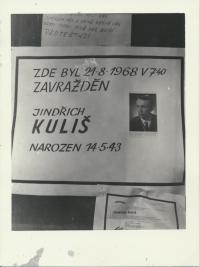 Jindřich Kuliš zastřelený u bočních dveří radnice