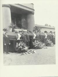 Pohřeb obětí 21.8.1968, krematorium