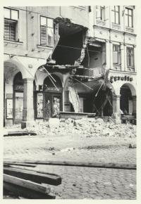 Zbourané podloubí u radnice