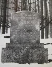 Memorial to the murdered John Šlusara, which today stands in the woods behind Javořická