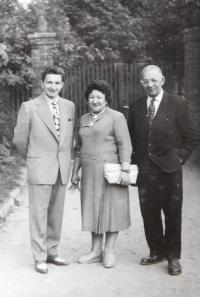 Milan Vlcek with his parents Anthony and Emilie