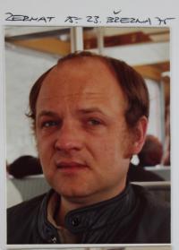 v roce 1975