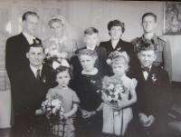 Svatební fotografie manželů Kirchner (vlevo nahoře)