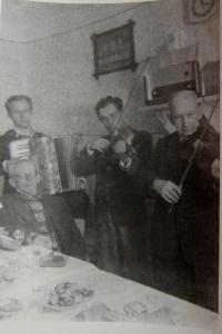 Vlevo Hubert Kirchner