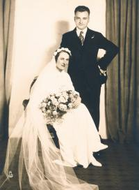 Svatba rodičů, Anna Barbora Nehasilová a Alois Tyl, 1935
