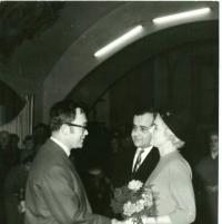 Svatba s Pavlem Boškem. Svědkem byl Josef Škvorecký.